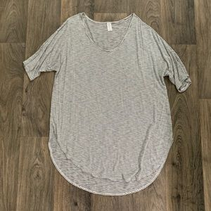 Old Navy Luxe Curved Tee